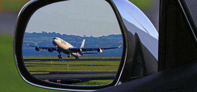 Zaczynając lub kończąc wakacyjną podróż na lotnisko zawsze stajemy przed tym samym problemem. Jak przetransportować się na miejsce zamieszkania. Oczywiście zwykle możemy napotkać dodatkową komunikację z portu lotniczego, jednak gdy […]